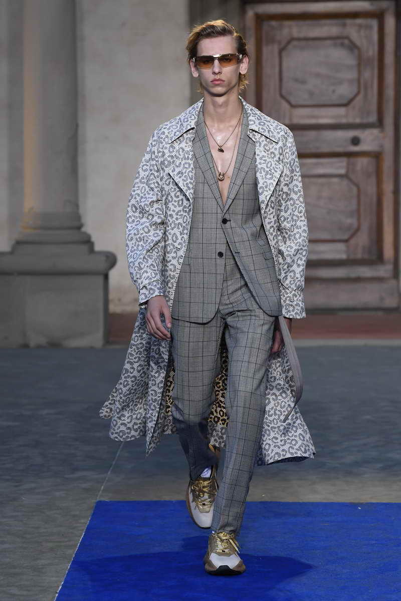 Roberto Cavalli Menswear Spring/Summer 2019 Collection