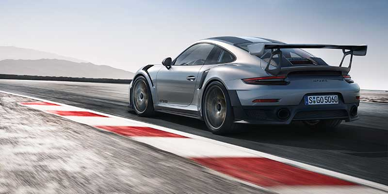 New 911 GT2 RS with 700 hp, rear-wheel drive, racing chassis and rear-axle steering